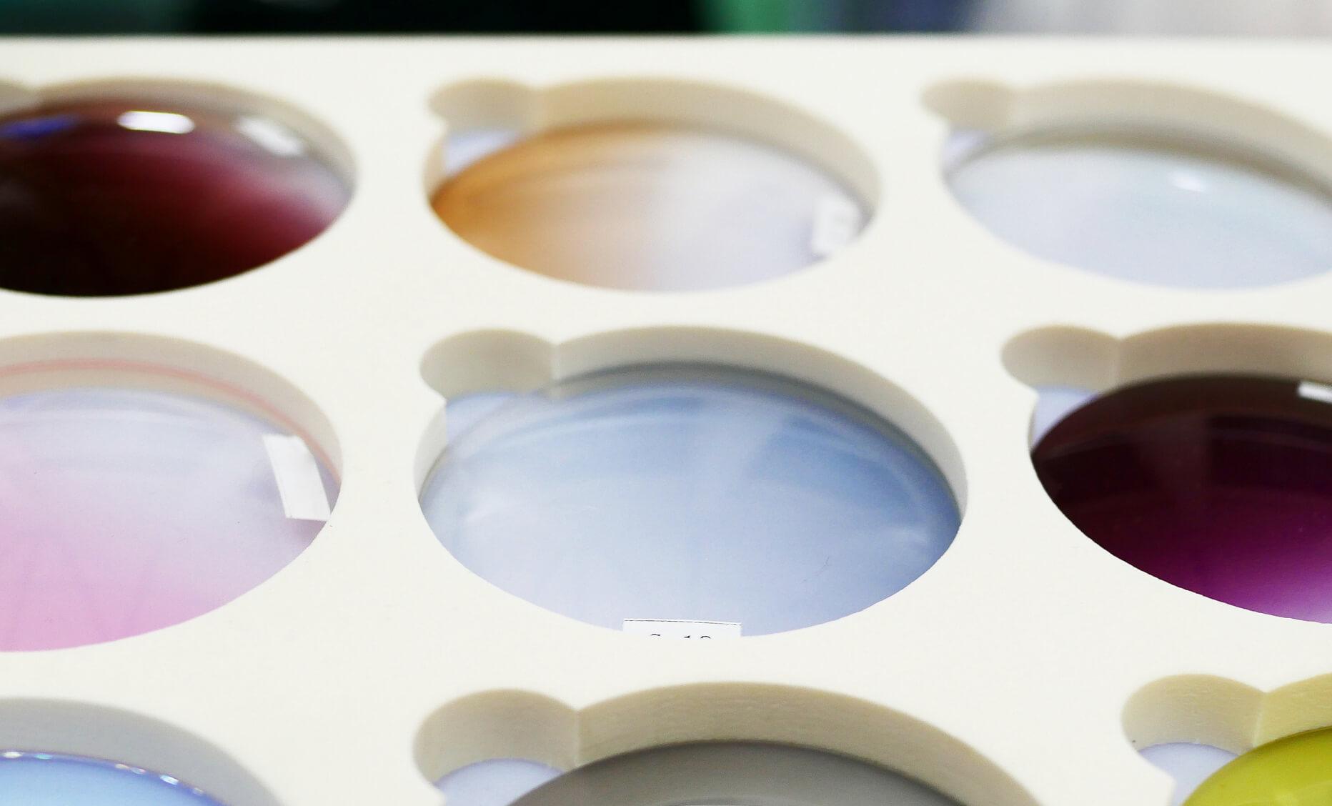 Måske har du brug for farvede kontaktliner efter hjernerystelse